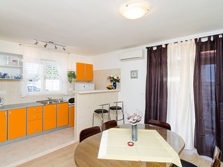 Apartment Boo-Two Bedroom Apartment with Balcony, Dubrovnik