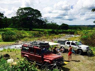 Defender 4x4 Camper Van - NomadAmerica, Liberia