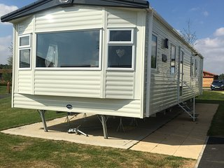 Superior luxury 3 bedroom caravan For Hire, Tattershall