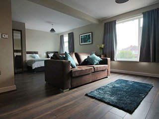 Diamond - St Helen's House Suite 3
