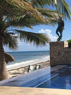 Infinity pool and beach