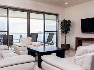 2 Bedroom Condo Playa Blanca 703 ~ RA86340, San Carlos