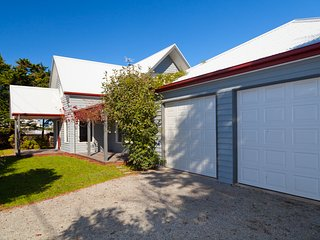 Gorgeous, modern home close to the Beach, Phillip Island