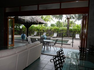 Salty Souls Palm Cove 4 King Bedrooms Private Pool