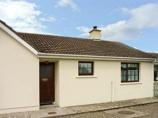 HOME FROM HOME AT MIDDLEQUARTER, all ground floor, romantic cottage, multi-fuel, Clonmel