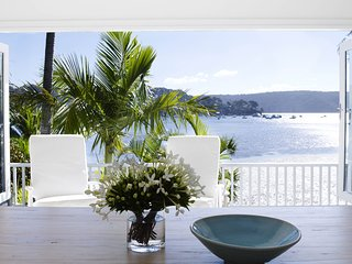 BARRENJOEY VILLA - Palm Beach, NSW