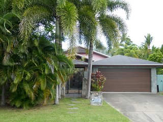 Salty Souls Palm Cove 4 Bedroom Holiday House, Cairns