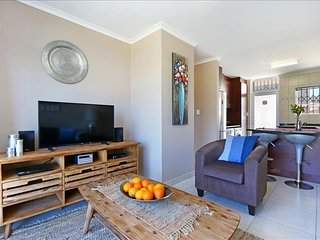 2 Bedroom Apartment - Whispering Woods, Muizenberg