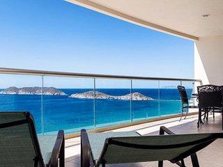 3 Bedroom Condo Playa Blanca 1410
