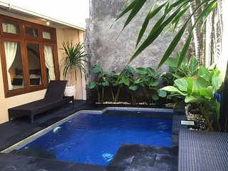 KUTA-Villa SANTAI inc breakfast 4 BED 3 BATH, Kuta