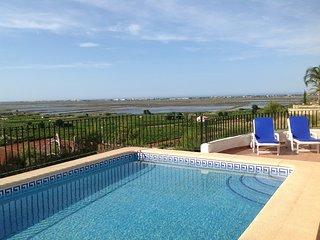 Seaview, AC, playground, WiFi, heated pool, 10' to the beach