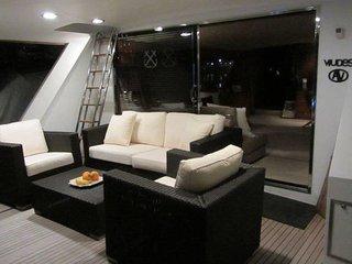 New listing! Motor Yacht Captain's Cabin B&B, Barcelona