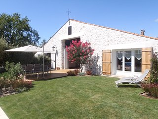 Gîte 8 personnes piscine chauffée et jardin arboré Les Sables d'Olonne Vendée