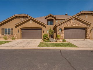 19th Hole ~ Beautiful large 3 bedroom with two Master Suites & two Living Rooms St. George, Utah Vac, Washington