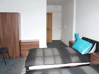Private City Centre Luxury En-Suite - ROOM 2, Leicester