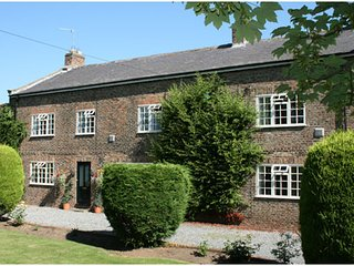 The Manor House B&B - Spacious Double / Twin room