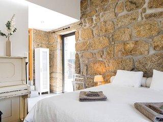 Nieuw! Landhuis, 4 ruime slaapkamers met bergzicht