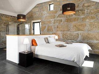 Nieuw! Ruime slaapkamer in gerenoveerd landhuis