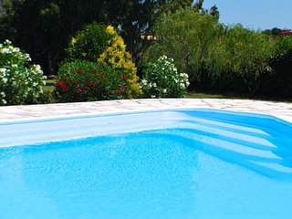 Large Lakefront Villa near Rome, private pool, Roma