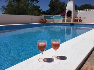 Stylish 3 bedroom villa with beautiful pool, Carvoeiro