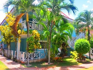 NICE AFFORDABLE STUDIO WITH PATIO, BEACH AT 70m-M7, Santo Domingo