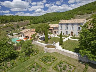Beautiful 10 Bedroom Family Property Located in 'Haute Provence', Rustrel