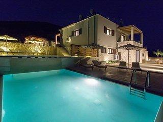 3 Villas Unit in Kalamitsi Amigdali, Georgioupoli, Georgioupolis