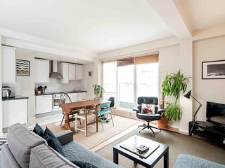 ★ CENTRAL CITY OF LONDON ★ PENTHOUSE APARTMENT ★ SPITALFIELDS ★