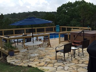Cozy & Quiet Guest House - Pool & Hot Tub - Views!, Wimberley