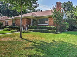 NEW! Charming 2BR Dallas House w/Fenced Yard