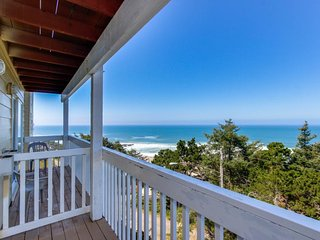 Dog-friendly studio w/ ocean views  - close to beach access!, Lincoln City