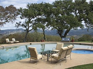Sprawling 6BR Vineyard Estate w/ Pool & Valley Views, As Seen on the Bachelor