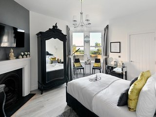 147 By The Sea - A Luxury Coastal Retreat, Worthing