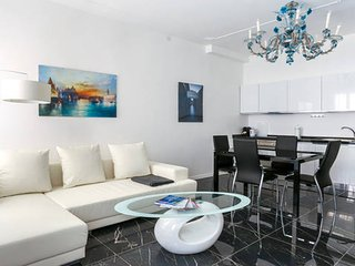 Newly Renovated Apartment 1, Venice