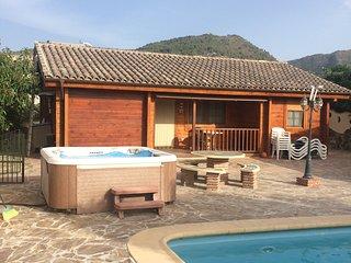 Casa campo con 3 dormitorios-piscina-spa-barbacoa, Coín