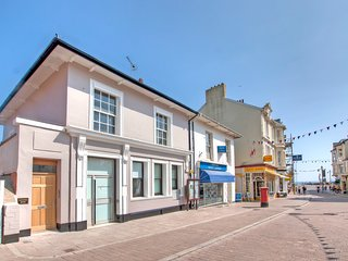 Florin, stunning seaside bijou apartment, 4 stars, Seaton