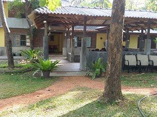Its a four bedroom villa accomodates 12 guests., Habarana