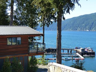 #110 Sue's Zen / 4BR / Oceanfront / Pet Friendly, Port Renfrew