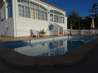 Beautiful Villa Close to the Beach with Pool!, Faro