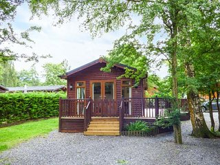 CHARLIE'S LODGE detached lodge on Whitecross Bay, en-suite, open plan, on-site facilities, Troutbeck Bridge, Ref 941620