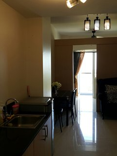 WiFI area, Located in Tagaytay, Wind Residence Tooffers a garden and fitness centre. Picnic Grove is