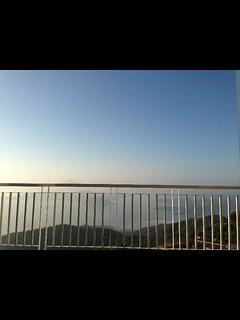 Skylounge overlooking taal