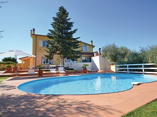 3 bedroom Villa in Roma, Latium Countryside, Italy : ref 2186661