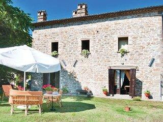 5 bedroom Villa in Apecchio, Marches Countryside, Italy : ref 2239402