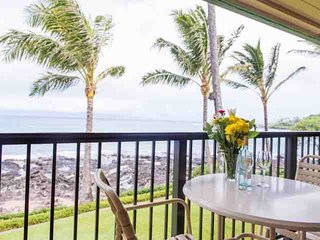 Direct Oceanfront - steps to Napili Bay - Oceanfront Lanai