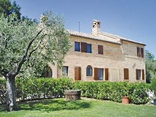 4 bedroom Villa in Petriolo, Marches Countryside, Italy : ref 2279883