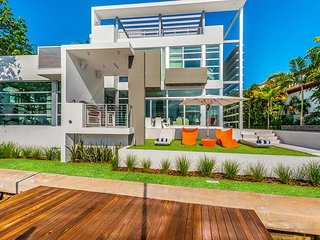 The Sunny - 5 bedrooms + 6.5 bathrooms, Miami Beach