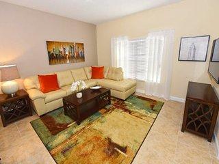 4 Bedroom 3 Bath Town Home with Pool in Storey Lake Resort. 4794CTD, Kissimmee
