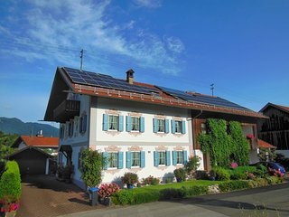 Zum Schmied Cheap and Best Home Vacation Rental!, Eschenlohe