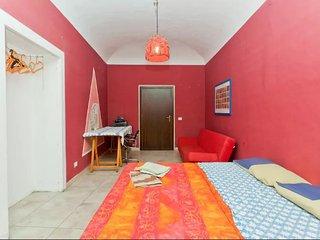 Grande stanza al centro di Palermo